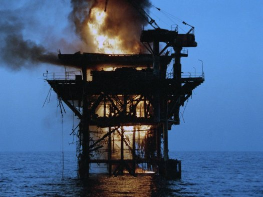 burning-oil-rig-4-1