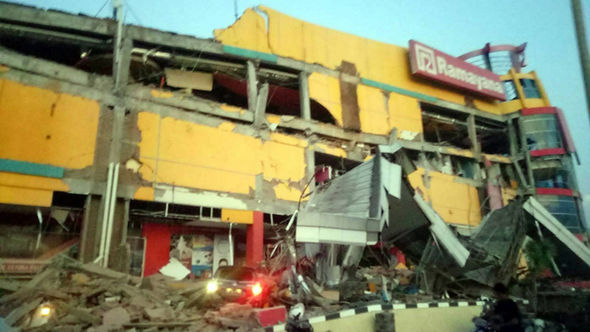 indonesia-earthquake-1529813.jpg